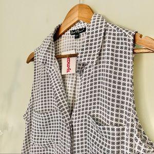 Velvet Heart Sleeveless Shirt NWT Size L